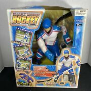 Remote Controlled Hockey Player 49mhz Totally Extreme 1999 Wowwee