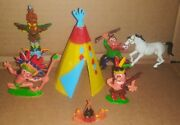 Lot Of Vintage Made In Hong Kong Cowboy Indians Teepee Totem Pole Toys Figures
