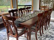 Ethan Allen Custom Made Livingston Dining Table With 2 Host And 6 Side Chairs