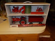 Farmall Case Ih Tractor And Wagon Farm Set With Backhoe Blade And Bale By Ertl 1/16