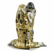 Lladro The Kiss Couple. Golden Luster 01008667. 8667 Ships From Lladro.