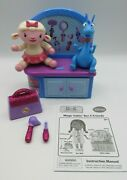 Doc Mcstuffins Magic Talking Checkup Clinic Table W/4 Lambie And Stuffy Figures