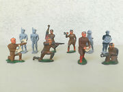 Large Lot Of Dime Store Ww Ii Leadmetal Toy Soldiers American And German Troops