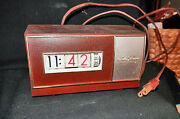1950s-60s Working Catalin Seth Thomas Speed Read Wheel Numbers Table Clock