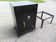 Industrial Safe Vault Ul 27x27x39 1500 Tl15 Tool Resistant Bank Commercial