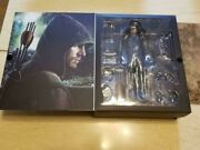 Arrow Deluxe Edition With Oliver Real Face Head Hot Toys 1/8 Action Figure Rare