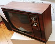 Vtg Hitachi 19 Crt Color Tv 1983 Retro Gaming Woodgrain Tested And Exc Working