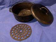 Griswold Erie No 9 Cast Iron Dutch Oven 834 With Lid No 9 2552 And Trivet