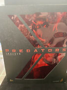 Hot Toys 1/6th Scale Tracker Predator Collectible Figure Mms147