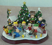 Danbury Mint Peanuts Christmas Skating Party Snoopy Charlie Brown New Works
