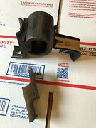 Nos C5tz5260g 1965-69 Ford F100 Exhaust Outlet Pipe Hanger Bracket