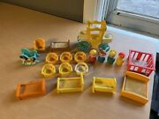 Lot Of 19 Vintage 1972 Fisher Price Little People King Carriage Bed Furniture