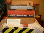 Lionel 3562 25 Red Letter Operating Barrel Car With 362-78 Barrels And Boxes