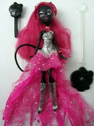 Mattel Monster High Doll - Catty Noir Signature 13 Wishes - Original Outfit