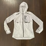 New With Tag On Cloud Women's M Ultra Lightweight Hoodie Vented Weather Jacket M