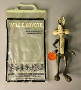 Dakin Looney Tunes Wile E Coyote Figure W/bag And Hang Tag 1969