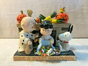 Peanuts Department 56 Charlie Brown Lucy Have A Sweet Halloween Figurine 4028549