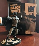 Dc Direct Batman Black And White Statue By Cliff Chiang 0641 Of 3500