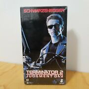 Rare Vhs Canadian Release T2 Terminator 2 1991 Carolco Live Video Factory Sealed
