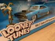 Looney Tunes Wile E. Coyote Figure And 1970 Plymouth Road Runner 1/24 Minicar Jada