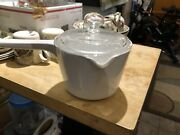 Corning Ware Sauce Pan 1qt M-68-b Dual Spout With Cover