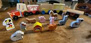 17 Piece Melissa And Doug Mickey Mouse On The Farm Wooden Train Set