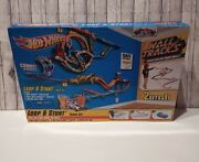 Hot Wheels Loop And Stunt 2 In 1 Wall Track And Diecast Car Set Y2741 Discontinued