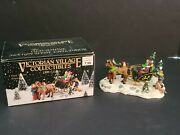 Victorian Village Collectibles 1999 The Old Towne Sleigh With Children 45535333