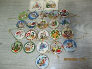 23 Disney Tis The Season Disc Ornament Collection By Grolier Collectibles
