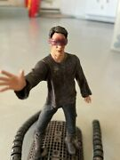 The Matrix Series 2 Neo Stopping Squiddy/sentinel Figure By Todd Mcfarlane