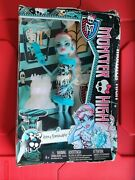 Monster High Abbey Bominable Doll Art Class 2013 Daughter Of Yeti Box Damaged