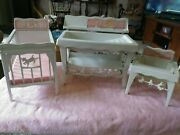 Vtg. 1960 Deluxe Reading Corp. For Suzy Cute Doll Furniture Crib Chair Bathtub