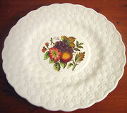 P4 Copeland Spode Luncheon Plate Ring 9andfrac14 Fruit Bouquet Embossed Daisies England