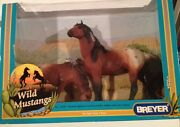 Breyer Classic Sr Wild Mustangs 750301 New In Box Excellent Condition Horses