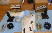 Cessna Retractable 1209005-1rh And 1209005-1lh Gear Actuator Spindles Clamps +