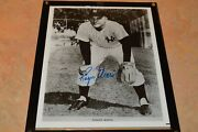 Roger Maris Vintage Signed 8x10 Black And White Photo Must See