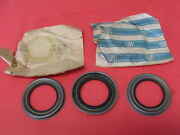 Nos 69 70 Oldsmobile 88 / 98 Front Wheel Bearing Oil Grease Seals 401918 Qty 3