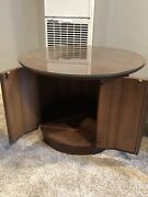 Pair Of Mid Century Modern Lane Circular End/coffee Table With Glass Top