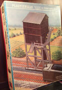 Plasticville - 1976-298 Coaling Station And Box Andutil. Poles And 2 Tree Model Train