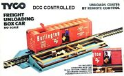 Ho Dcc Controlled Tyco Freight Unloading Box Car