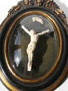 Antique Ornate Wooden Frame 18th Early 19th Century Convex Glass Christ Crucifix