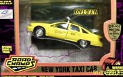 Chevrolet Police Series N.y.c Taxi Cab Road Champs Yellow 1/43 Scaleandnbspnew In Box