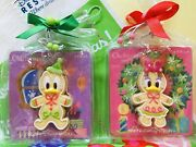 Tokyo Disney Resort Christmas Ornament Gingerbread Donald And Daisy Duck Magnet