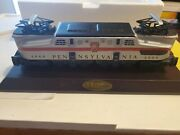 Avon The Lionel Classic Train Collection Gg-1 Electric Engine Figurine And Base