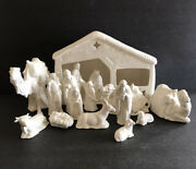16 Pc Glossy Nativity Set Holland Mold Stable + 15 Pieces Animals And Figurines C