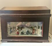 Mr. Christmas Animated Music Box Skaters With Snowflakes On Glass 16 Discs