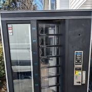 National Md 431 Refrigerated Food Vending Machine