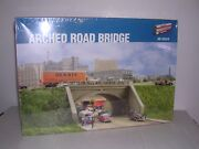 Walthers 3196 Arched Road Bridge - Building Kit H.o. 1/87