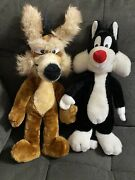Warner Bros. Characters Lot 2 Plush 19andrdquo Wile E. Coyote1971 And 16andrdquo Sylvester 1980