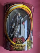 2002 Toybiz-lord Of The Rings-the Two Towers-saruman The White W/ Staff